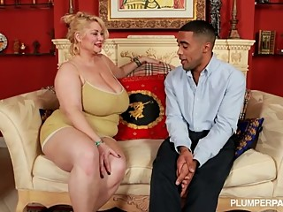 BBW Superstar Samantha 38G Fucks Horny..