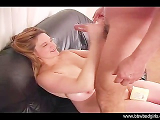 BBW Handjob From Horny Amateur Mom