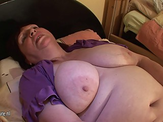 Chubby mature slut mom playing with her..