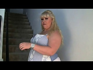 Sexy Busty Blonde Mom - negrofloripa