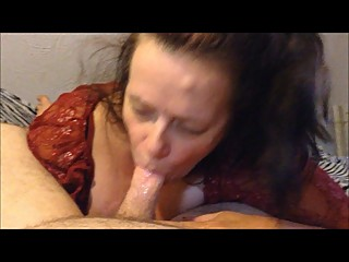 Hottie Scottie gets some head from mommy