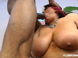 Mature Plump Mom Loves to Fuck Big Black..