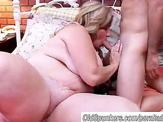 Beautiful mature BBW loves to..